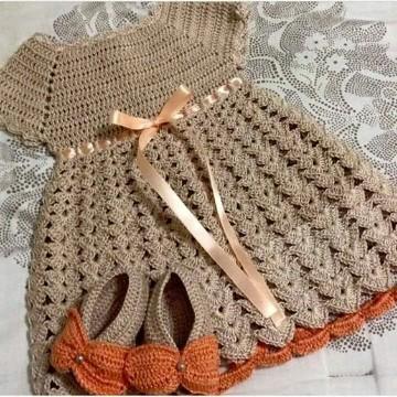 trajes de crochet para bebes niña