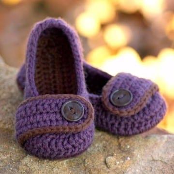 zapatitos-para-nina-tejidos-a-crochet-de-nina