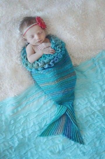 cola de sirena tejida a crochet para bebe