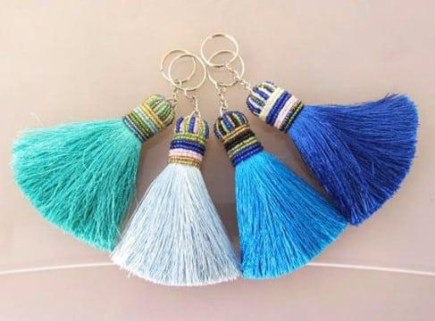como hacer borlas de hilo decorativas