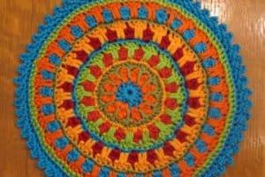Imagenes con distintos diseños de mandalas tejidas a crochet