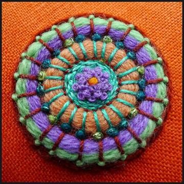 sombreros en crochet de colores