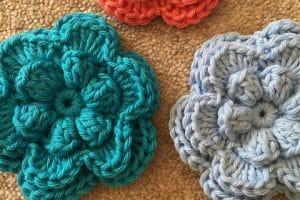 Hermosos patrones de flores a crochet faciles de hacer
