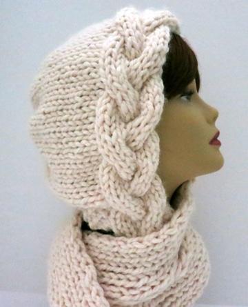 cuellos de lana a dos agujas con capucha