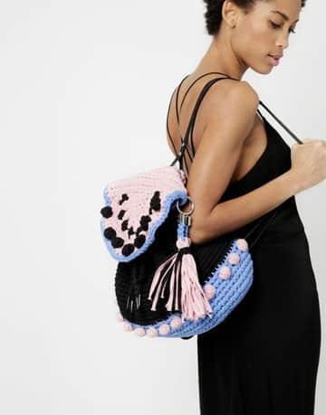 patrones de mochilas tejidas a crochet a la moda