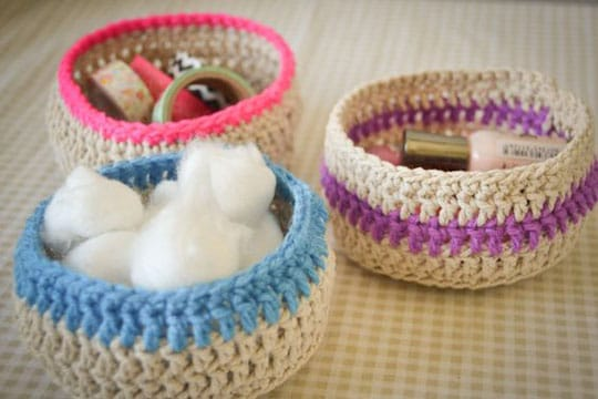 accesorios para baño en crochet cestas