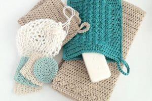 Unos accesorios para baño en crochet que enamoran