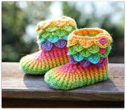 botas tejidas a crochet para niña colores