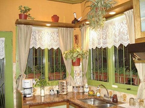 cenefas a crochet para ventanas de cocina