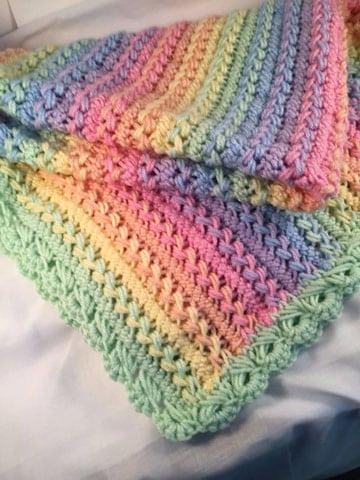 cobijas de bebe en crochet colores