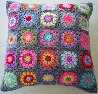 cojines a crochet cuadrados colores
