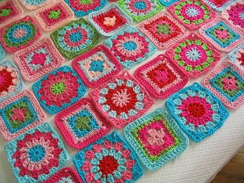 cuadrados a crochet para colcha colores