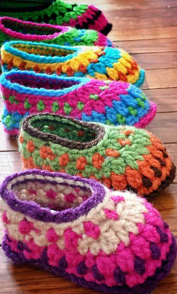 pantuflas tejidas para niños de colores