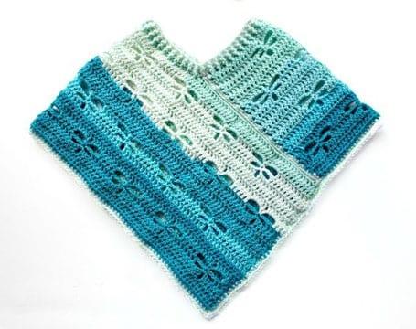 ponchos tejidos para niña a ganchillo