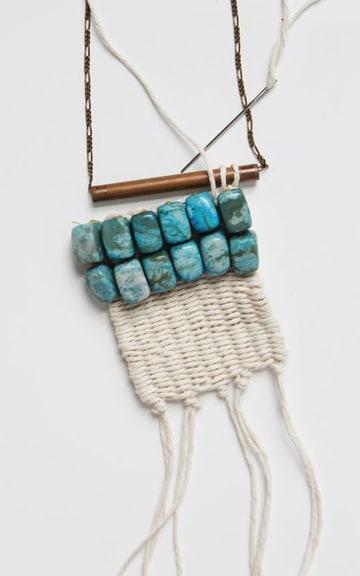 como hacer collares tejidos con piedras