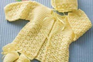 Un saquito de bebe a crochet que te quitará el sueño