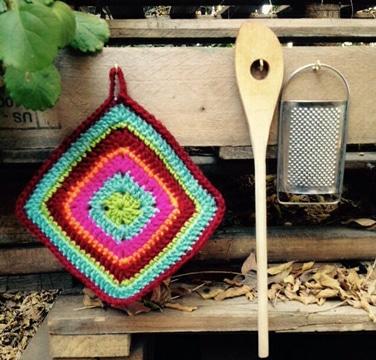 agarraderas tejidas al crochet de colores