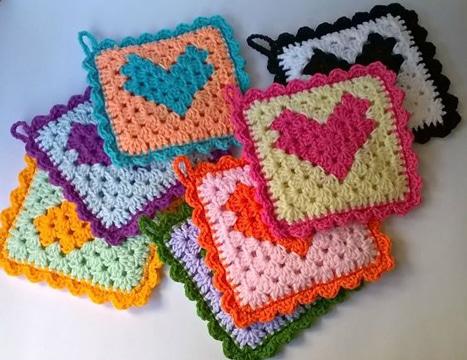 agarraderas tejidas al crochet pequeñas