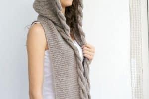 Las bufandas tejidas a crochet de hoy: multiusos y fashion