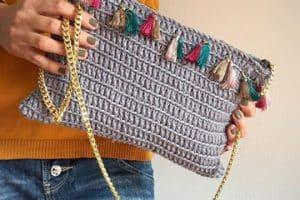 Entérate sobre como hacer bolsos tejidos a la moda y útiles