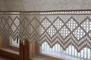 Para ambientes acogedores, las cortinas tejidas a gancho