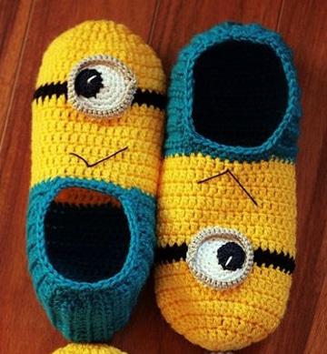 pantuflas a crochet para niños de minion