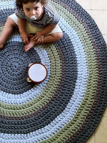 alfombra redonda de trapillo para bebes