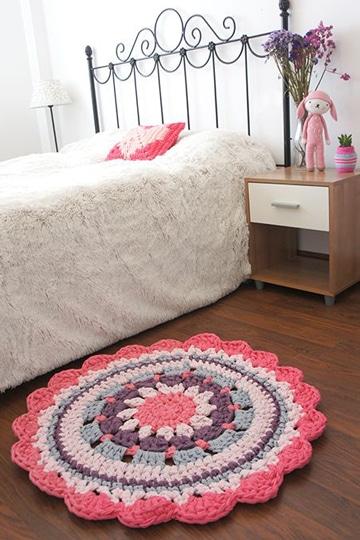 alfombra redonda de trapillo para niñas