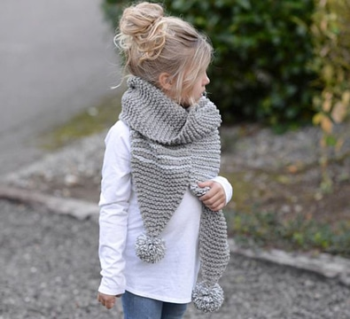 bufandas tejidas de moda con pompones