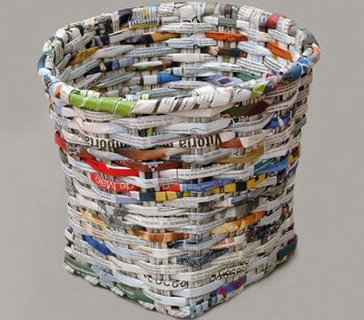 como hacer canastas de papel periodico artesanales
