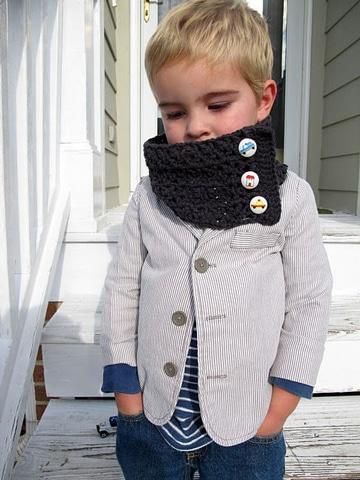 cuellos tejidos para niños con botones