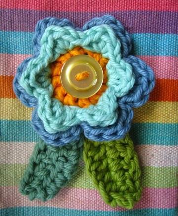 escarapelas tejidas al crochet de colores