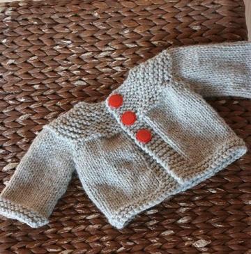 sacos para bebe en crochet con botones