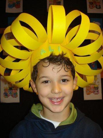 sombreros reciclados para niños de cartulina