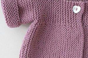 Modelos tiernos de sueter tejido para bebe en dos agujas