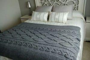 Más colchas de ganchillo de lana para cobijar tu descanso