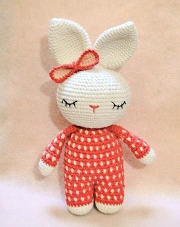 conejo tejido a crochet para niños