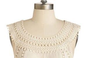 De moda con los cuellos tejidos a crochet para vestidos