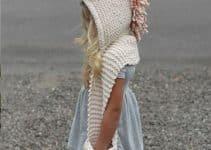 Los gorros con bufanda tejidos como ingenio del crochet