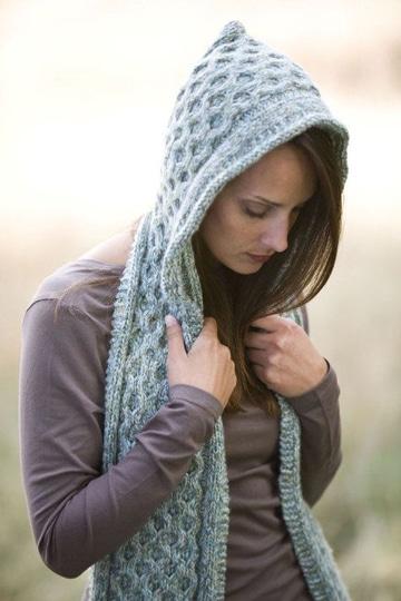 gorros y bufandas tejidas para mujeres