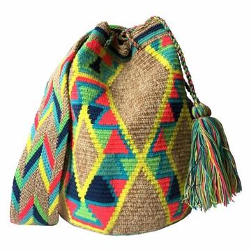 imagenes de mochilas tejidas coloridas
