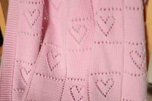 Varios modelos de colchas tejidas a crochet y dos agujas