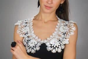 Bellos modelos de cuellos tejidos para blusas y vestidos