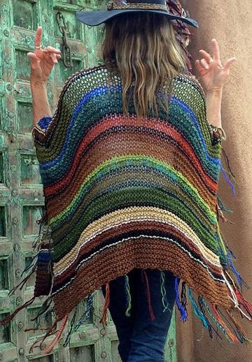 modelos de ponchos tejidos a palillos a rayas