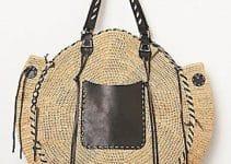 Las bolsas tejidas con rafia de moda en verano y todo tiempo