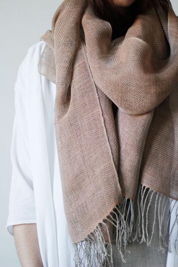 bufandas tejidas modernas y delicadas