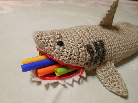 cartucheras tejidas a crochet para niño
