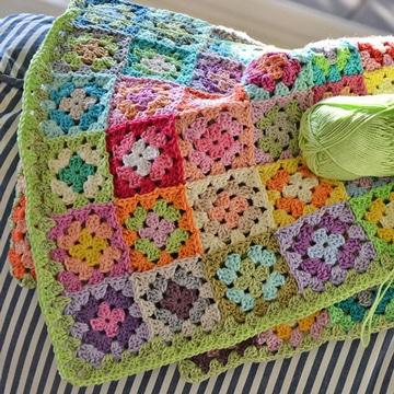 cobijas tejidas a gancho para bebe de colores