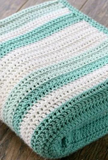cobijas tejidas a gancho para bebe dos colores