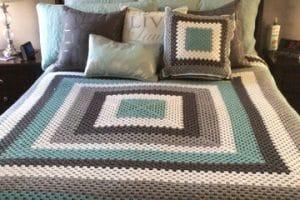 Las colchas tejidas a crochet de colores para muchos estilos